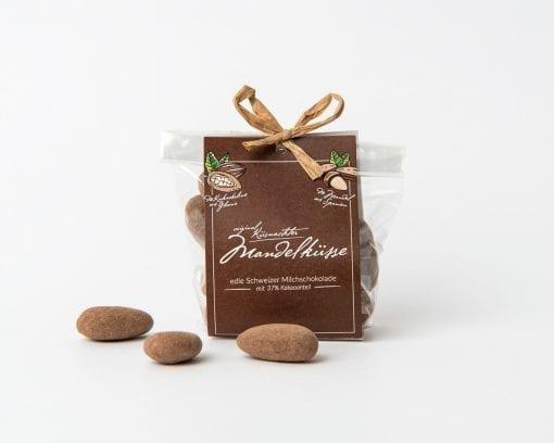 Küsnachter Mandelküsse Milchschokolade mit Lasche